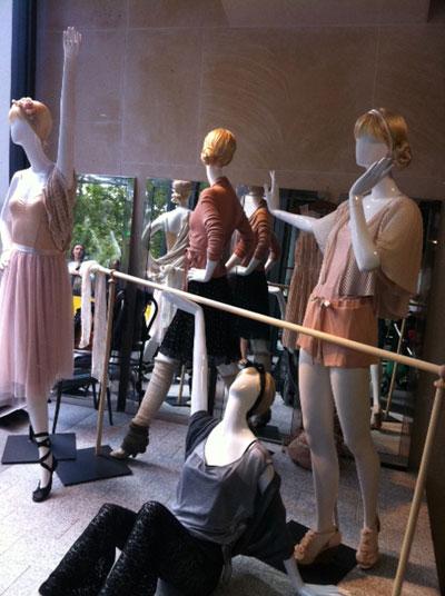 vitrine H&M thème danse classique ballet